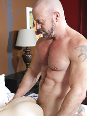 Fast hand jack off porn and hot muscular guys at Bang Me Sugar Daddy
