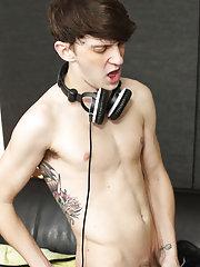 Download cute black nude guys video at Boy Crush!