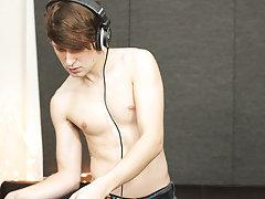 Mens masturbating in bed pics and naked twinks with no genital hair at Boy Crush!