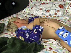 Twink older guy porn and monster sized twink dicks pics at Boy Crush!