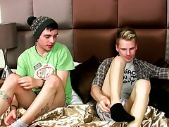 Gay boys at pics and extreme young naked gay boys movies at Homo EMO!