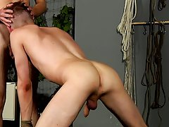 Top pic slow hot twinks and mature man cum in twinks mouth - Boy Napped!