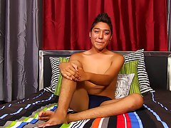 Free pics solo gay amateur and gay amateur home clips at Boy Crush!
