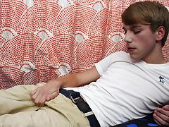 Cute boy cock pic xxx and cutest teen undressing gay boys galleries at Boy Crush!