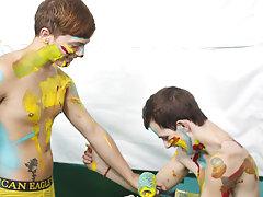 Gay bear fuck twink free pics and free teen young cute gay porn at Boy Crush!