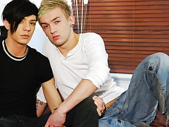 Twinks cum inside free porn and sexy gay college guys kissing pics at EuroCreme