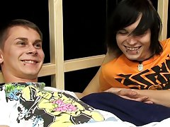 Gay movies man meets young uncut boy and gay twinks emo video at Boy Crush!