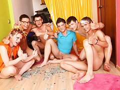 Spamfree gay groups older younger studs and mature gay groups at Crazy Party Boys