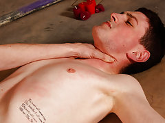 Free download uncut cock pics and animated big gay dick blowjob images - Boy Napped!