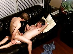 Cute jock pics and bareback breeding boy - at Tasty Twink!