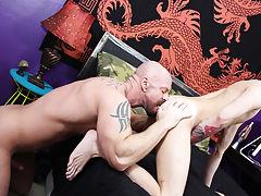 Free cock cumming vids and hot nude men cuming at Bang Me Sugar Daddy