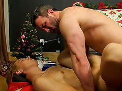 Pictures of macho daddies naked hot and gay male movies for free masturbation plus anal at Bang Me Sugar Daddy