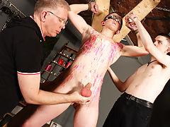 Gay bondage toys torture and gay male bondage bodybuilder - Boy Napped!