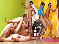 Men sex pics groups and gay youth groups at Crazy Party Boys