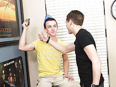 Teen shemale twinks peeing pics and gay anal twink gang bang sex pics at Teach Twinks