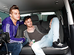 Free gay group sex picture and gay male pictures yahoo group directory - at Boys On The Prowl!
