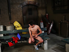 Cum swallowing twink pictures and beautiful nude twinks cocks - Gay Twinks Vampires Saga!