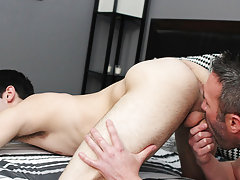 The way Brock bonks Aiden down and gives him a sticky facial, these 2 no doubt worked up an appetite gay hardcore sex partys at Bang Me Sugar Daddy