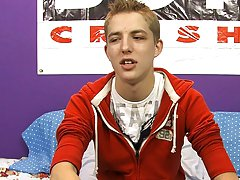 Twinks mobile video and uncut shaved gay men at Boy Crush!