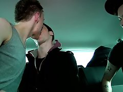 Young men naked massages and two twinks giving each other hand jobs - at Boys On The Prowl!