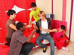Craiglist gay circle jerk groups la ca and male group masturbation stories at Crazy Party Boys