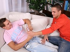 Maxx is a pro when it cums to deep throating regan amateur andnot ga