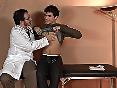 The tension became obvious to the two as the doctor kissed the twink on his sweet mouth gay boys jacking off