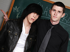 Nate puts his twink student up on his desk and blows him free gay men  twinks at Teach Twinks