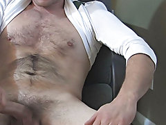 Broke College Boys male masturbation webcams at Broke College Boys!