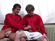 Pics gay twinks on knees sucking boys and picks of dicks by hot men free search at Staxus