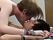 Bottom guy Dakota Shine receives fucked by Sean taylor this Week gay boy teens at Homo EMO!