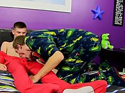 Twink male jack off and emo uncut shows penis