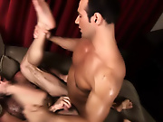 Hot muscle dudes smash muscle gay erotica